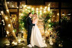 — У тебя есть любимый момент на свадьбах? — Да, есть, когда музыка начинает играть, и появляется невеста, и все оборачиваются на неё, я смотрю на жениха, по его лицу видно всё — оно полно любви. ---27 свадеб (27 Dresses) В кадре:  #гирляндаВольта@mr_edison _____________________________ Организатор: Свадебное Агентство Two People @goany Фотограф:@dimi3igorbunov