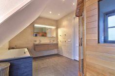 Te koop aan de Koningsweg 4 in Barsingerhorn. Vrijstaande woning met 6 kamers - Klaver Makelaardij