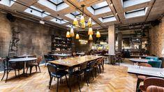 Za poslední dobu se otevřelo hned několik nových podniků. I když – v Čechách se restaurace otevírají snad neustále. Nova, Conference Room, Pizza, Table, Furniture, Home Decor, Fine Dining, Decoration Home, Room Decor