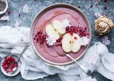 Your Diet Should Be More Pink, According To Nutritionists Acai Bowl, Broccoli, Smoothie, Panna Cotta, Diet, Breakfast, Ethnic Recipes, Food, Acai Berry Bowl