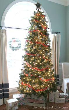 Christmas Home Tour 2013: Pretty in Plaid