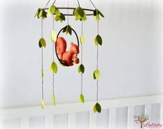 woodland baby mobiles | squirrel and leaves