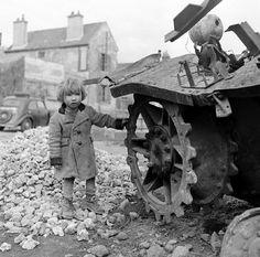 Quelques photos prises en France en avril 1945  Photos : Ralph Morse - LIFE Collections