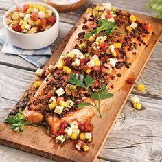 Saumon sur planche de cèdre - Recettes - Cuisine et nutrition - Pratico Pratique