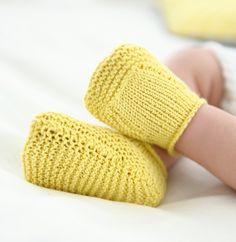 Knitting patterns for kids children baby booties ideas Baby Booties Knitting Pattern, Knit Baby Booties, Crochet Baby Shoes, Baby Boots, Baby Knitting Patterns, Knitting Socks, Knit Crochet, Crochet Socks Tutorial, Tricot Baby