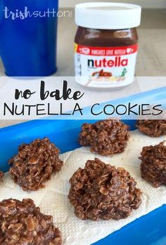 No Bake Nutella Cookies Replace the peanut butter and cocoa in No Bake Peanut Butter Cookies with Nutella and there you have No Bake Nutella Cookies.This recipe is just as simple as No Bake Peanut Butter Cookies and it makes 36 cookies. Pancakes Nutella, Biscuit Nutella, Desserts Nutella, Nutella Brownies, Just Desserts, Cookies With Nutella, Easy Nutella Recipes, Nutella Cheesecake, Peanut Butter Cookies