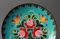 Vintage Handpainted Russian Folk Flowers Plate Wall Hanging ~ Go Go Berlinette / Etsy Hand Painted Plates, Plates On Wall, Plate Wall, Folk Art Flowers, Flower Art, Pottery Painting, Tole Painting, Russian Folk Art, Folklore