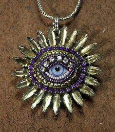 this is cool, but I couldn't wear it, cause it would freak me out!