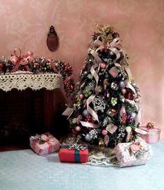 US $109.00 New in Dolls & Bears, Dollhouse Miniatures, Artist Offerings Miniature Christmas Trees, Dollhouse Miniatures, Bears, Presents, Holidays, Dolls, Holiday Decor, Artist, Home Decor