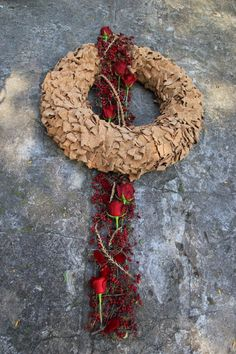 Flower Wreath Funeral, Funeral Flowers, Condolence Flowers, Sympathy Flowers, Holiday Wreaths, Holiday Decor, Grave Decorations, Garden Deco, How To Preserve Flowers