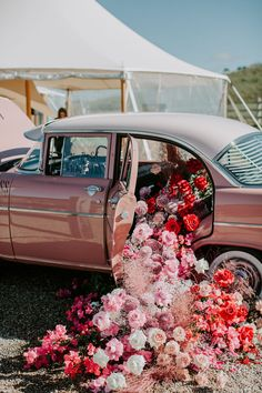 Such perfect flowers Spring Aesthetic, Flower Aesthetic, Byron Bay Weddings, Big Leaves, Wedding Fair, Pretty Flowers, Beautiful Flowers Pictures, Belle Photo, Flower Art