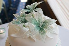 Gelatin Flowers for Kerry & Alan's cake as simple topper (Aileen did cake)