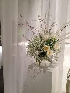 #winterwedding #weddingideas #whitewedding #flowerdesign #weddingdesign #centerpicies #eventdesign #fiordifragolastyle #weddingstyle #luxurywedding