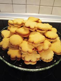 Πολύ εύκολα και νόστιμα Μπισκότα με μαρμελάδα κεράσι