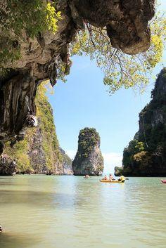 Canoe trips in Phang Nga Bay. Thailand (by phangnga explorer).