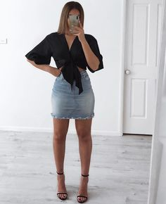 Image may contain: one or more people, people standing and shorts Casual Dinner Outfit Summer, Dinner Outfits Women, Casual Dress Outfits, Summer Dress Outfits, Girly Outfits, Simple Outfits, Sexy Outfits, Trendy Outfits, Cute Outfits