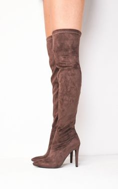 Our Valentina over the knee thigh high long boots are sure to add that must have sass to any outfit this A/W season. Team with an oversized winter coat and your fave shift dress to be bang on trend!
