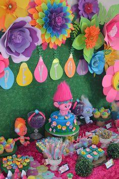 Peyton's 4th Trolls Birthday Party | CatchMyParty.com