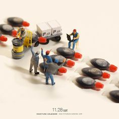 """. 11.28 sat """"Tuna auction"""" . 「オレが競り落とすよ!」 「それだったらオレが競り落とすよ!」 「じゃあオレが競り落とすよ!」 「どうぞどうぞ」 . . ミニチュアカレンダー初の個展、本日より12月10日まで開催です。 . #前にやったアイデアのリメイクです #ダチョウ倶楽部 ."""