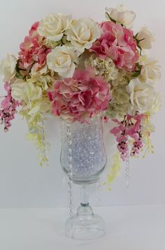 If you are planning a Glam Wedding you are definitley aiming towards the perfect combination of dramatic details and the ultimate wow factor! Unique Wedding Centerpieces, Wedding Flower Arrangements, Wedding Flowers, Wedding Decorations, Floral Arrangements, Graduation Centerpiece, Quinceanera Centerpieces, Wedding Bouquet, Table Decorations