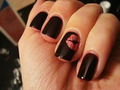 I've already got my next three manicures planned, but this is definitely #4.