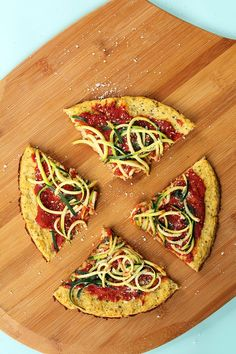 Pin for Later: Eat Your Fill: 10 Cauliflower Crust Pizzas to Choose From Zucchini Spaghetti Cauliflower Crust Pizza Crust contains: cheese, egg Get the recipe: zucchini spaghetti cauliflower crust pizza