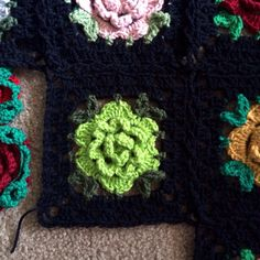 [Free Pattern] Beautiful Rose Granny Square Blanket - Knit And Crochet Daily