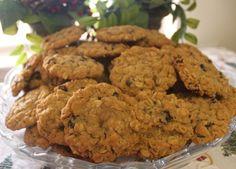 Chewy n' Spicy Oatmeal Rasin Cookies | Rosetta's Sweet Treats