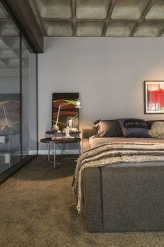 Designers Salvio Moraes Jr and Moacir Schmitt Jr of CASAdesign Interiores completed Loft 44