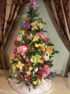 120 Best Christmas Tree Decorating Ideas That You'd Have to Take Inspiration From - Hike n Di. 120 Best Christmas Tree Decorating Ideas That You'd Have to Take Inspiration From - Hike n Dip, Purple Christmas Ornaments, Burlap Christmas Tree, Merry Christmas, Black Christmas Trees, Colorful Christmas Tree, Christmas Tree Themes, Holiday Tree, Diy Ornaments, Rustic Christmas