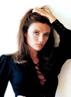 Jacqueline Bisset - a timeless beauty! I hope to grow older as beautifully as… Casino Royale, Classic Beauty, Timeless Beauty, Divas, Jacqueline Bissett, Julie Christie, Charlotte Rampling, British Actresses, Classic Hollywood