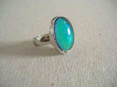 VINTAGE SILVER TONE OVAL MOOD RING SIZE 7   SOLID BD.