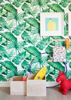 La barna få bruke fantasien når dere skal innrede rommet. Tør å la dem eksperimentere med farger, det verste som kan skje er at dere må male eller tapetsere om igjen om noen år! Å få sitt eget rom er kjempestort. Men å få lov til å være med å innrede det, er enda større! Vi viser deg et lite knippe tapeter til barnerom, for liten og stor. #Tapet#Barnerom#Jungel#Grønneblader#inspirasjon#Barnemøbler#Palmer#Fargerike#wallpaper#green#inspiration Dere, Scandinavian Design, Ikea, Pastel, Creative, Ikea Co, Nordic Design