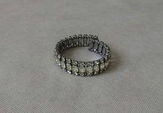 Bling  1950s Vintage Bracelet  Expandable Rhinestone Cuff