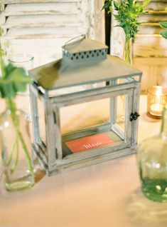 Urne de mariage Wedding design : Oui Cocotte Photo : Jonathan Udot Oui, Decoration, Wedding Planner, Decorative Boxes, Photos, Photography, Design, Home Decor, Simple Weddings
