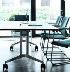 TIMETABLE mobile conference table | Designer: Andreas Störiko | Specialist for multipurpose interiors | By Wilkhahn | #timetable