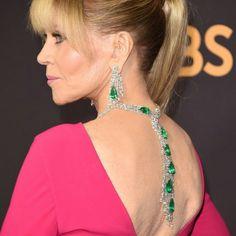 Jane Fonda lit up the #Emmys2017 red carpet last night wearing a @gismondi1754 emerald suite #emmysjewelry