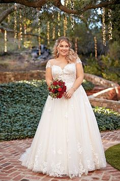Wedding Dress by Essense of Australia - Search our photo gallery for pictures of wedding dresses by Essense of Australia. Find the perfect dress with recent Essense of Australia photos. Rustic Wedding Dresses, Wedding Dress Trends, Wedding Dresses Plus Size, Plus Size Wedding, Designer Wedding Dresses, Wedding Gowns, Wedding Dress Bustle, Wedding Dress Sleeves, Long Sleeve Wedding