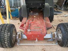 Building a Racing Lawn Mower part Mini Jeep, Mini Bike, Custom Go Karts, Homemade Go Kart, Go Kart Plans, Tractor Pulling, Drift Trike, Riding Mower, Power Wheels