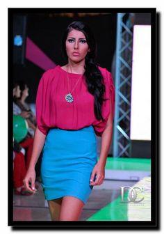 falda turquesa blusa anastasia