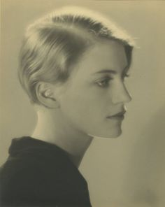 corps abîme — adreciclarte: Lee Miller, 1930 by Man Ray Lee Miller, Female Photographers, Portrait Photographers, Vintage Photographs, Vintage Photos, Hans Richter, Face Men, Karen, Foto Art