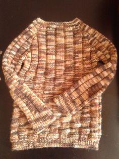 egybe körbe kötött pulóver kisfiúknak