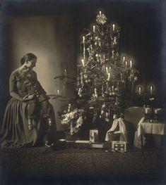 Rudolf Koppitz, Christmas, ca. 1927.