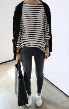 stripes + front tuck + dark wash + vertical shopper
