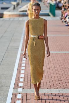Marco de Vincenzo Spring 2020 Ready-to-Wear Fashion Show Collection: See the com. Marco de Vincenzo Spring 2020 Ready-to-Wear Fashion Show Collection: See the complete Marco de Vincenzo Spring 2020 Read. 2020 Fashion Trends, Fashion Mode, Vogue Fashion, Fashion 2020, Look Fashion, Runway Fashion, Fashion Outfits, Fashion Fashion, Fashion Beauty