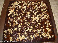 Prajitura cu crema de ciocolata,branza si nuca – Flori's Kitchen Desserts, Tailgate Desserts, Deserts, Postres, Dessert, Plated Desserts