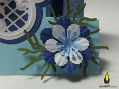 ART 2012 09 fee bleue 2