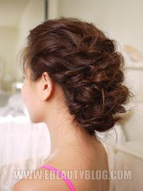 EbeautyBlog.com: Easy Messy Updo Hair Tutorial  I actually tried this one! Took me five minutes (since my hair is naturally curly). Super easy and elegant!