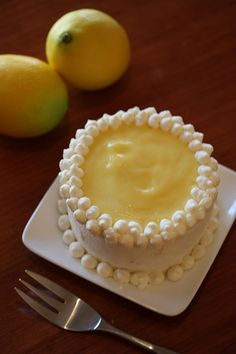 Lemon layer cake, frosting
