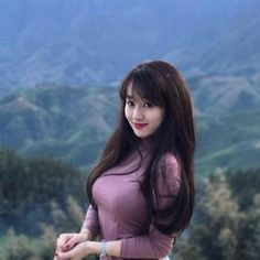Beautiful, elegant with its own National Flavour. Posted by Sifu Derek Frearson Beautiful Girl Image, Beautiful Asian Women, Beautiful Vietnam, Vietnam Girl, Vietnamese Traditional Dress, Pretty Asian, Up Girl, Nice Girl, Sexy Asian Girls